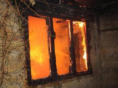 Ağstafada ev yanıb