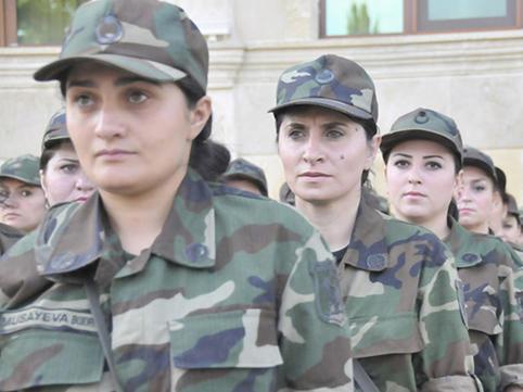 Azərbaycanda Qizlar Da Orduya Yazildilar Video