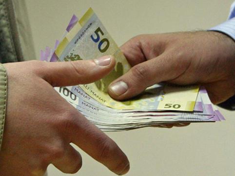 Bir şəxs 2000 manat borc alır və 3 aydan sonra 2500 manat qaytaracağını deyirsə...