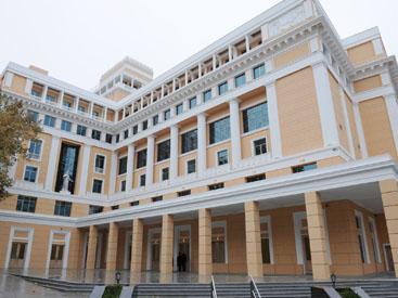 Bakinin Mohtəsəm Nizami Kino Mərkəzi Fotosessiya