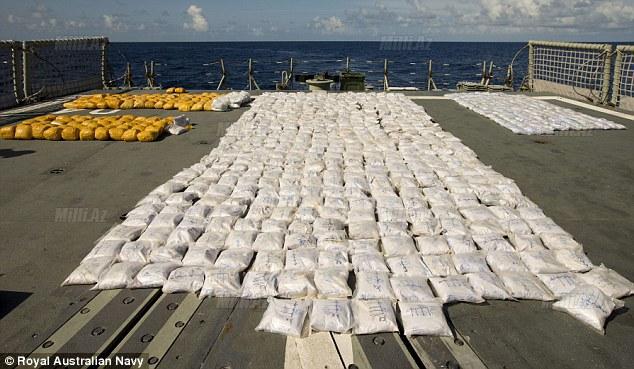 210 milyon dollarlıq heroin tutuldu - FOTO